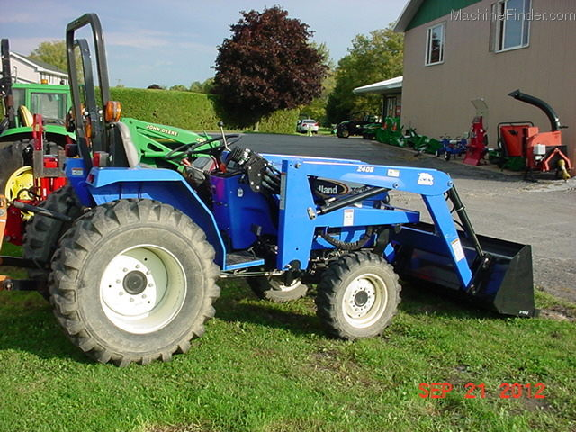 Where to rent TRACTOR, NEW HOLLAND TC30 4WD in Ft. Collins, Wellington, Greeley, LaPorte, Loveland, Windsor CO and all of Northern Colorado.
