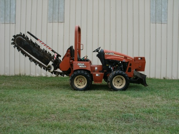 Where to find TRENCHER DITCH WITCH RT-45 with 4  BOOM in Ft. Collins